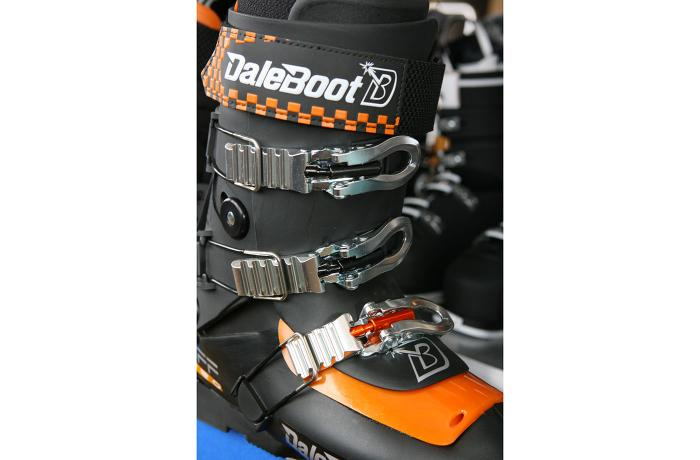 2017-18 Daleboot VFF Pro Women's at America's Best Bootfitters Boot Test